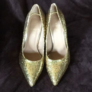 Fun Sparkly Gold heels